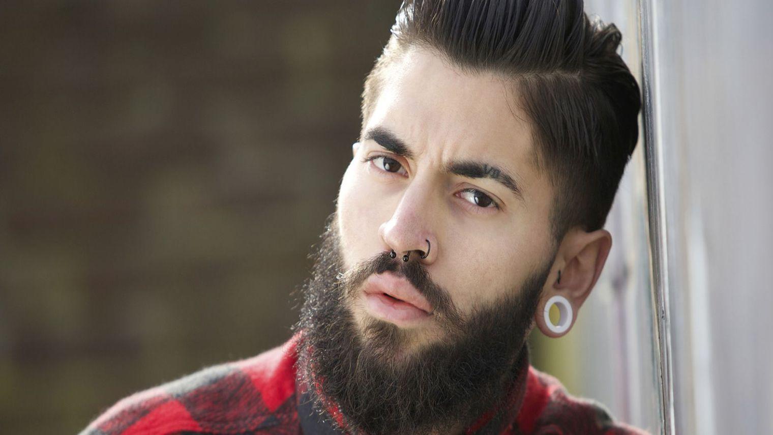 pour r aliser une teinture barbe homme il faut utiliser des produits ad quats. Black Bedroom Furniture Sets. Home Design Ideas