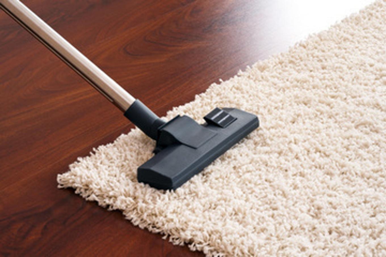 comment nettoyer un tapis blanc. Black Bedroom Furniture Sets. Home Design Ideas